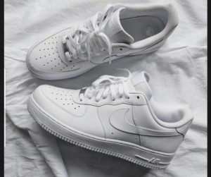 NIKE AIRFORCE LOW