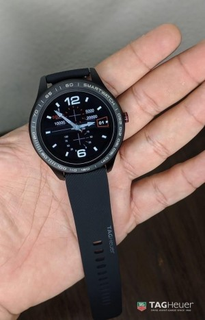 TagHeuer Connected 9