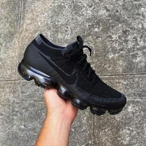 Nike air vapormax flyknit all black