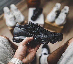 Nike Air Vapormax Flyknit All Black