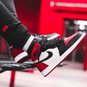 Nike Air Jordan I Retro High OG Bred Toe